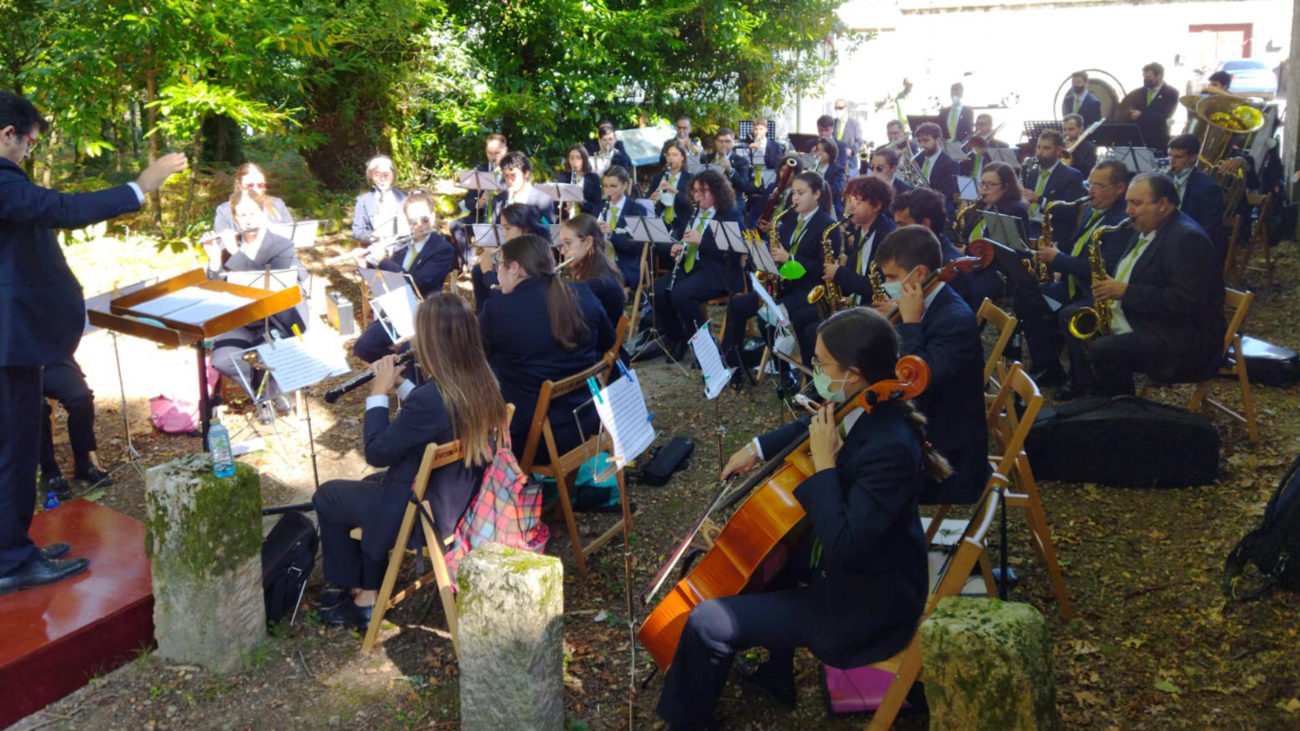 Cultura Dispersa 2021 en Rois: A Banda da Escola de Música de Rianxo actuando en Sorribas